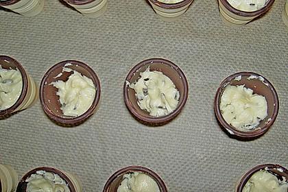 Kleine Kuchen im Waffelbecher 343
