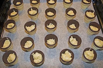 Kleine Kuchen im Waffelbecher 393