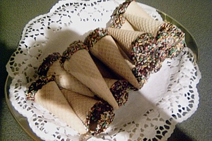 Kleine Kuchen im Waffelbecher 396