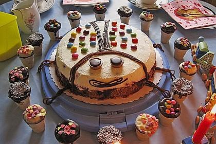 Kleine Kuchen im Waffelbecher 26