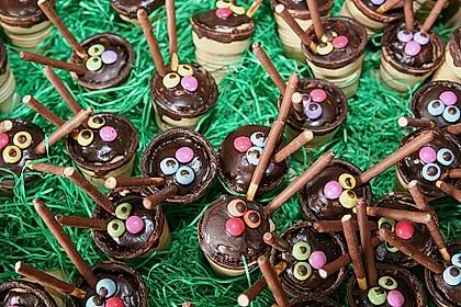 Kleine Kuchen im Waffelbecher 236
