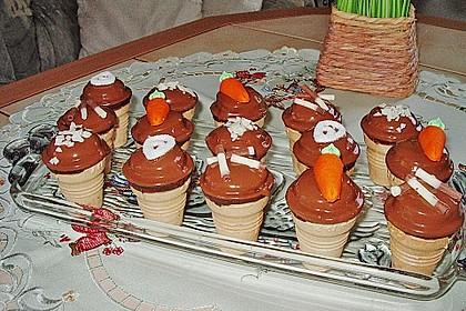 Kleine Kuchen im Waffelbecher 298