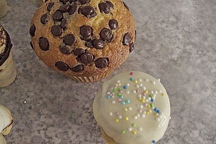 Kleine Kuchen im Waffelbecher 361