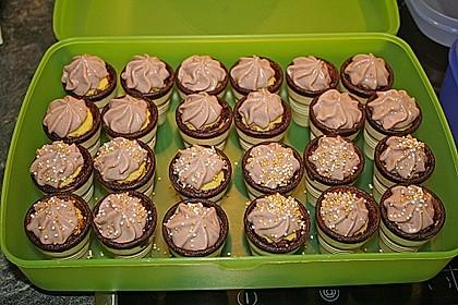 Kleine Kuchen im Waffelbecher 57
