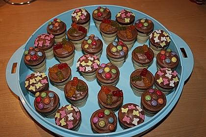 Kleine Kuchen im Waffelbecher 156