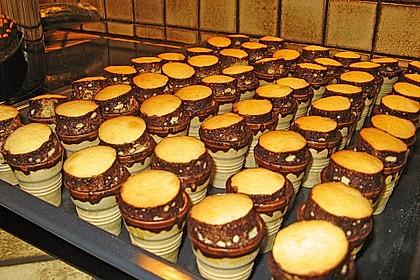 Kleine Kuchen im Waffelbecher 289
