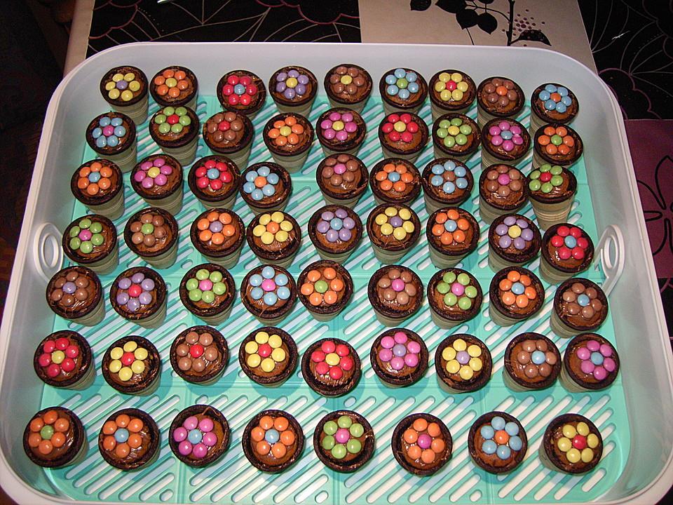 kleine kuchen im waffelbecher rezept mit bild von minerva. Black Bedroom Furniture Sets. Home Design Ideas