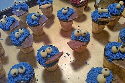 Kleine Kuchen im Waffelbecher 23