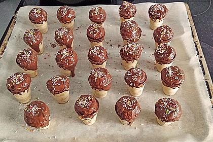 Kleine Kuchen im Waffelbecher 160