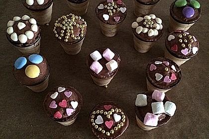 Kleine Kuchen im Waffelbecher 138