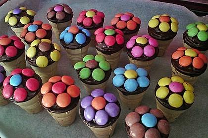Kleine Kuchen im Waffelbecher 2