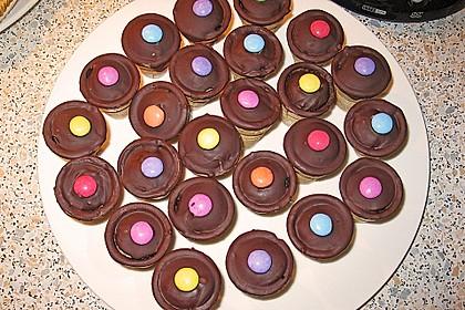 Kleine Kuchen im Waffelbecher 263