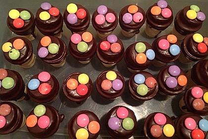 Kleine Kuchen im Waffelbecher 132