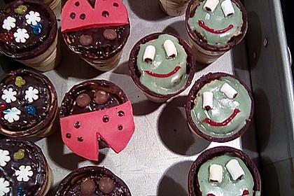 Kleine Kuchen im Waffelbecher 208