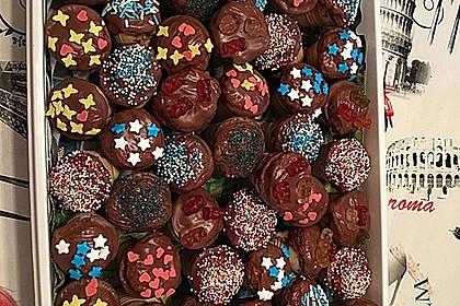 Kleine Kuchen im Waffelbecher 195