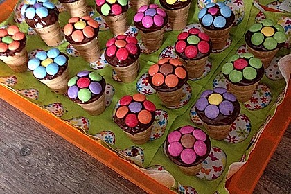 Kleine Kuchen im Waffelbecher 18