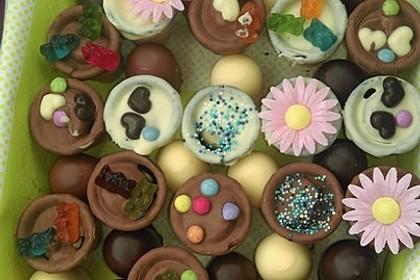 Kleine Kuchen im Waffelbecher 64