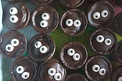 Kleine Kuchen im Waffelbecher 90