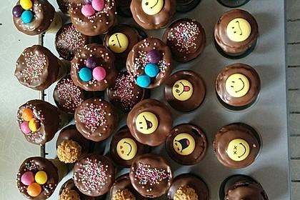 Kleine Kuchen im Waffelbecher 171
