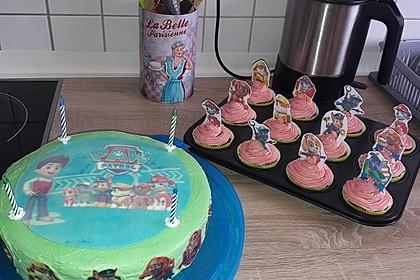 Kleine Kuchen im Waffelbecher 95