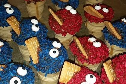 Kleine Kuchen im Waffelbecher 103