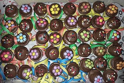 Kleine Kuchen im Waffelbecher 99