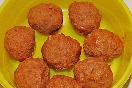 Hackbällchen in fruchtig - scharfer Tomatensauce mit Koriander 4