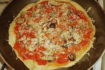 Binchens leichte Pfannenpizza 11