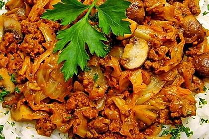 Spitzkohl-Champignon-Hack-Pfanne mit Reis 5