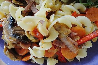 Vegetarische Nudelpfanne mit Schafskäse 4