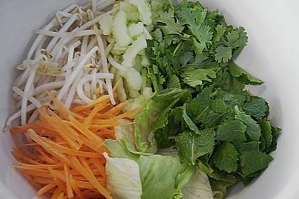 Reisnudelsalat mit Rindfleisch und Zitronengras 3
