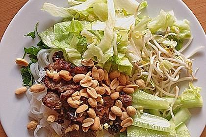 Reisnudelsalat mit Rindfleisch und Zitronengras 2