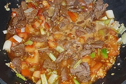 Scharfes Rindfleisch mit Zitronengras 10