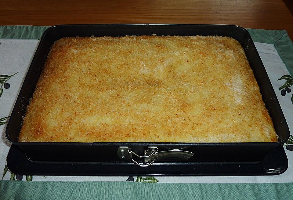 buttermilchkuchen mit kokosraspeln rezept mit bild. Black Bedroom Furniture Sets. Home Design Ideas