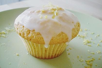 Lockere Zitronenmuffins 16