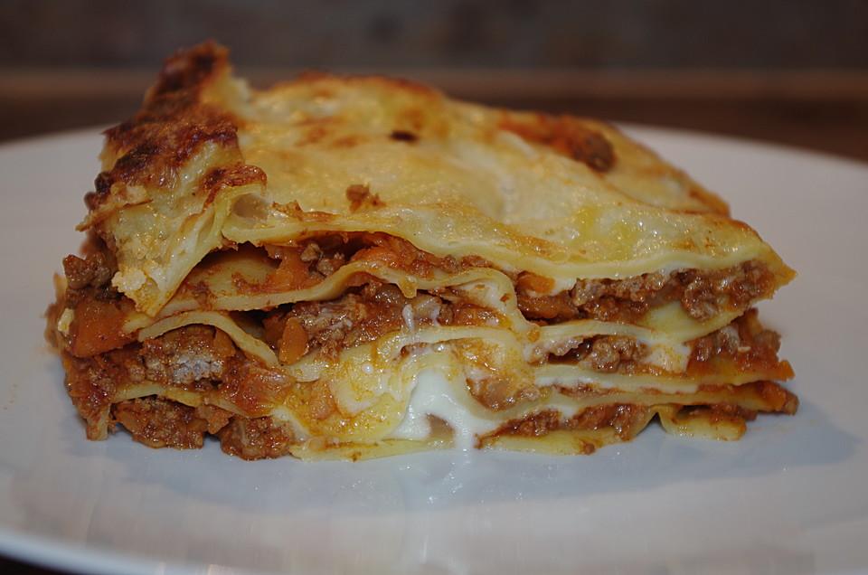 lasagne bolognese rezept mit bild von chefkoch. Black Bedroom Furniture Sets. Home Design Ideas