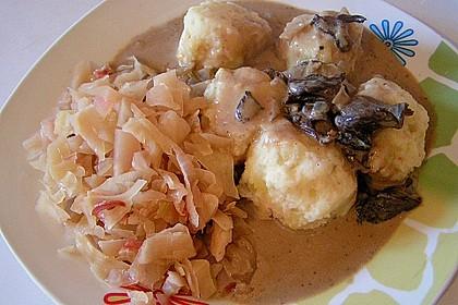 Kleine Kartoffel - Speckknödel mit Pfifferlingen in Rahm 18