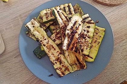 Gegrillte Zucchini 11