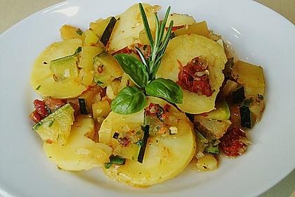 Illes warmer Zucchini-Kartoffelsalat - sommerlich leicht und einfach 1