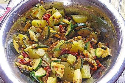 Illes warmer Zucchini-Kartoffelsalat - sommerlich leicht und einfach 7
