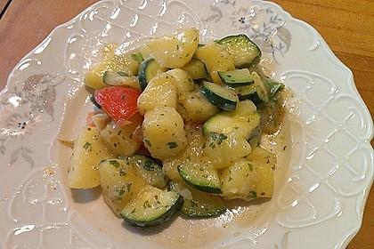 Illes warmer Zucchini-Kartoffelsalat - sommerlich leicht und einfach 6