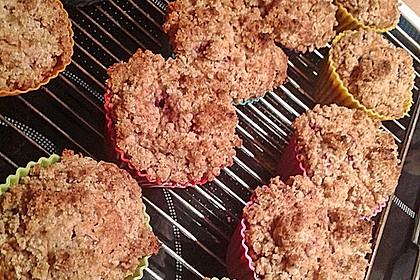 Himbeer - Muffins mit Streuseln 52