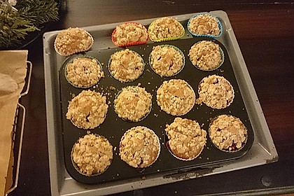 Himbeer - Muffins mit Streuseln 28