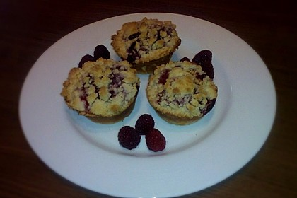 Himbeer - Muffins mit Streuseln 18