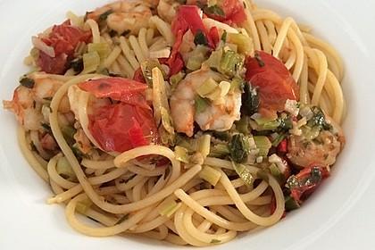 Spaghetti mit Kirschtomaten und Garnelen 7