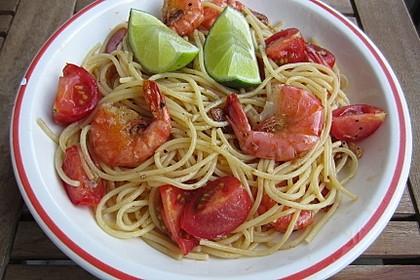 Spaghetti mit Kirschtomaten und Garnelen 2