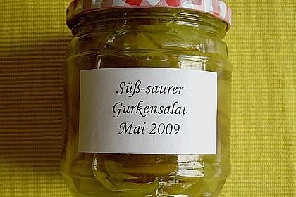 Süß - saurer Gurken - Paprika - Salat