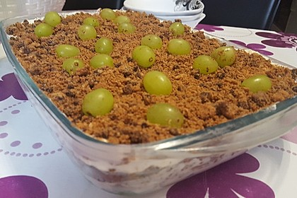 Schichtdessert mit Weintrauben 13