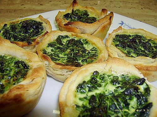 mini quiches mit spinat rezept mit bild von nicky0110. Black Bedroom Furniture Sets. Home Design Ideas