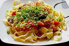Fleisch - Gemüse - Ragout auf Nudeln nach usbekischer Art
